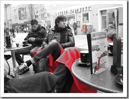 Hauptstadtläufer beim Cappuccino in der Innenstadt von Ingolstadt