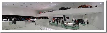 Porschemuseum-Stuttgart-Panorama-Innenraum