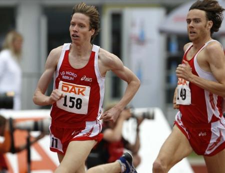 Carsten Schlangen vor Franek Haschke im 1500m Lauf